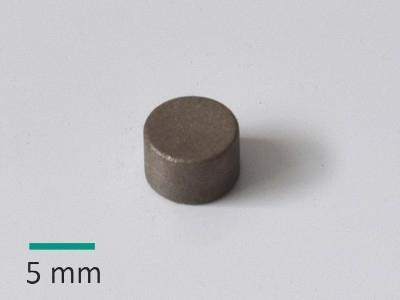 YX26A D8x5 mm